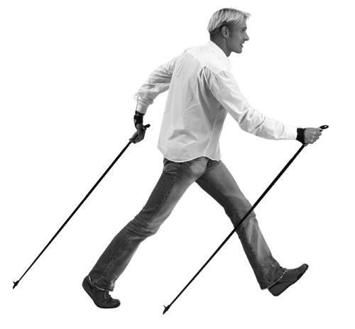 Nordic Walking Technik Anfänger, Technik Einsteiger und Neulinge koennen von Marko Kantaneva die richtige Technik des Nordic Walking lernen oder zur Einführung sicher am besten in einem Einsteigerkurs mit einem ausgebildeten Trainer der den Bewegungsablauf in den verschiedenen Phasen exakt vermitteln kann und dann bei der Umsetzung der erlernten Technik behilflich ist und evtl. Fehler gleich deutlich anspricht um sich nicht eine falsche Technik anzugewöhnen mit der evtl. die Ziele nicht erreicht werden können oder gar potentiell gesundheitschädlich sein können. Zum Beispiel die Bewegung der Arme und Hände die ja relativ oft über einen Bewegungszyklus gesehen, nicht fest zugreifen sondern offen gehalten werden, wie hier im Bild die hintere Hand in der Schub- und Druckphase.