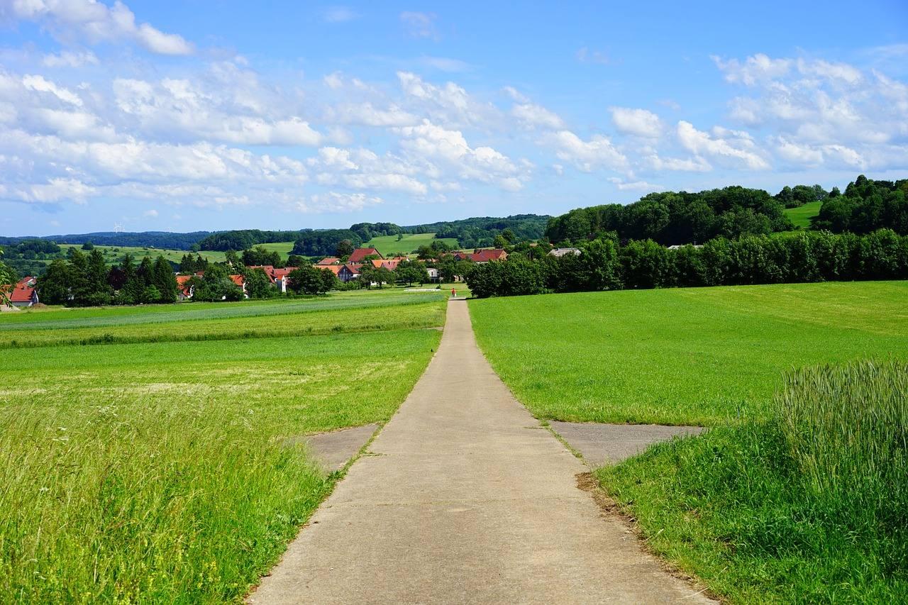 nordic walking körper geist selbstreflektion gerader weg zum neuen körperempfinden und auf den körper hören schafft einen neuen geisteszustand